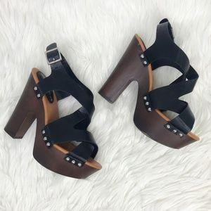 Breckelle's Renee Chunky High Heel Platform Sandle